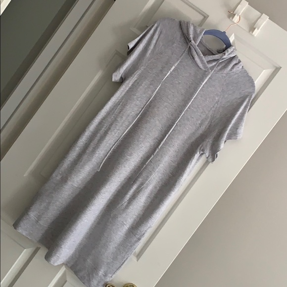 Lou & Grey Dresses & Skirts - Lou & Grey Sweatshirt Dress W/ Hood
